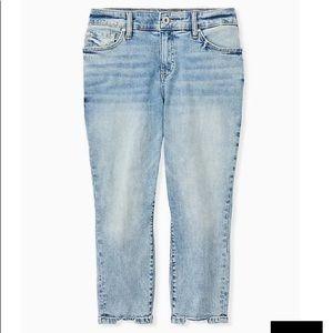 TORRID Crop Mid Rise Skinny Jean light wash sz 22
